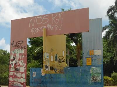 Monumentos públicos: Abandono e depredação